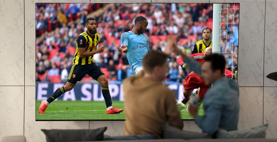 Čisté barvy vyvolávají dojem skutečného stadionu